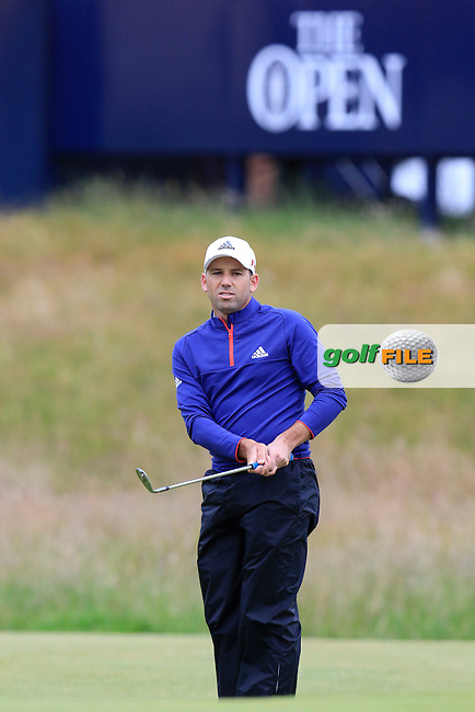 Sergio Garcia (ESP) chips onto the 17th green during Monday's Final Round of the 144th Open Championship, St Andrews Old Course, St Andrews, Fife, Scotland. 20/07/2015.<br /> Picture Eoin Clarke, www.golffile.ie