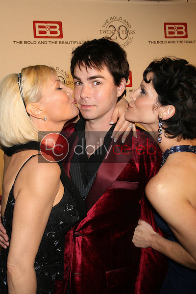 Schae Harrison with Mick Cain and Lesli Kay<br />at the celebration for &quot;The Bold and The Beautiful&quot; 20 years on air. Rodeo Drive, Beverly Hills, CA. 03-24-07<br />Dave Edwards/DailyCeleb.com 818-249-4998