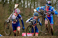 Picture by Alex Whitehead/SWpix.com - 03/02/2018 - Cycling - 2018 UCI Cyclo-Cross World Championships - Valkenburg, The Netherlands - Great Britain's Sean Flynn and Jenson Young compete in the Junior Men's race.
