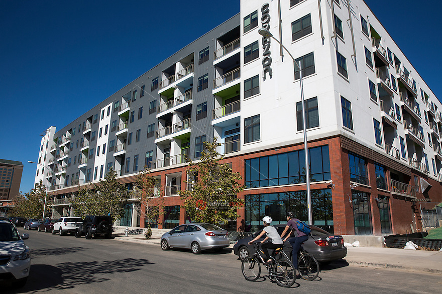 The new residential and retail growth boom on East 6th Street offers a new lifestyle experience in the center of Austin creative and cultural heart reveling the unique sprit of East Austin.