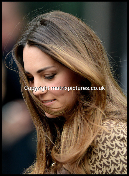 NON EXCLUSIVE PICTURE: MATRIXPICTURES.CO.UK<br /> PLEASE CREDIT ALL USES<br /> <br /> AUSTRALIA AND NEW ZEALAND RIGHTS ONLY<br /> <br /> Prince William, Duke of Cambridge and his wife Catherine, Duchess of Cambridge are pictured as they visit the crime support charity Only Connect, in London.<br /> <br /> NOVEMBER 19th 2013<br /> <br /> REF: PLM 137477