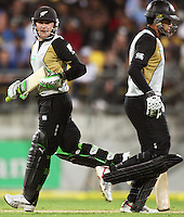 NZ's Brendon McCullum and Ross Taylor during 2nd Twenty20 cricket match match between New Zealand Black Caps and West Indies at Westpac Stadium, Wellington, New Zealand on Friday, 27 February 2009. Photo: Dave Lintott / lintottphoto.co.nz