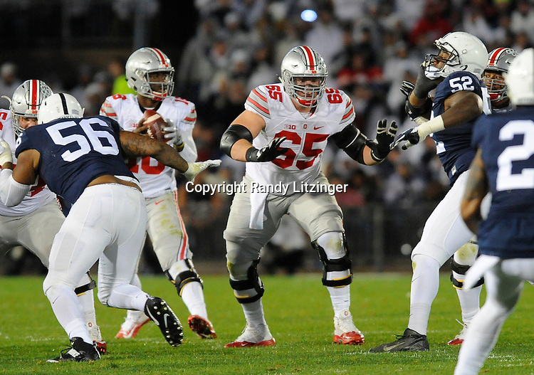 22 October 2016:  Ohio State C Pat Elflein (65) pass blocks. The Penn State Nittany Lions upset the #2 ranked Ohio State Buckeyes 24-21 at Beaver Stadium in State College, PA. (Photo by Randy Litzinger/Icon Sportswire)