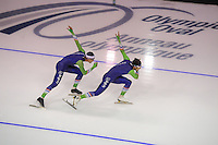 SPEEDSKATING: CALGARY: 12-11-2015, Olympic Oval, training, Ronald Mulder en Kai Verbij, ©foto Martin de Jong
