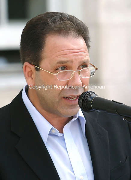 WATERBURY, CT 7/3/07- 070307BZ01- Don Piombo, Waterbury Neighborhood Association  Country Club neighborhood representative, addresses a crowd gathered on the steps of Waterbury's City Hall in oppposition to a proposed 280 condominium project on Highland Avenue.  <br /> Jamison C. Bazinet Republican-American