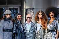 NOVA YORK, EUA, 09.09.2019 - MODA-NYFW - As Modelo  Winnie Harlow , Halima Aden, Designer Tommy Hilfiger e a atriz  Zendaya durante desfile  do New York Fashion Week no Teatro Apollo na cidade de Nova York neste domingo, 09. (Foto: Vanessa Carvalho/Brazil Photo Press)