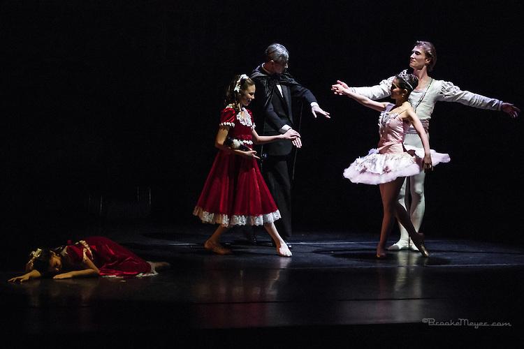 "Cary Ballet Evening Performance ""Visions Of Sugarplums"", Cary Arts Center, Cary, North Carolina, 15 Dec 2012"