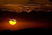 Pocos de Caldas_MG, Brasil...Por do sol em Pocos de Caldas, Minas Gerais...The sunset in Pocos de Caldas, Minas Gerais...Foto: JOAO MARCOS ROSA / AGENCIA NITRO
