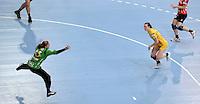 EHF Champions League Handball Damen / Frauen / Women - HC Leipzig HCL : SD Itxako Estella (spain) - Arena Leipzig - Gruppenphase Champions League - im Bild: Angriff durch Louise Lyksborg. Foto: Norman Rembarz .