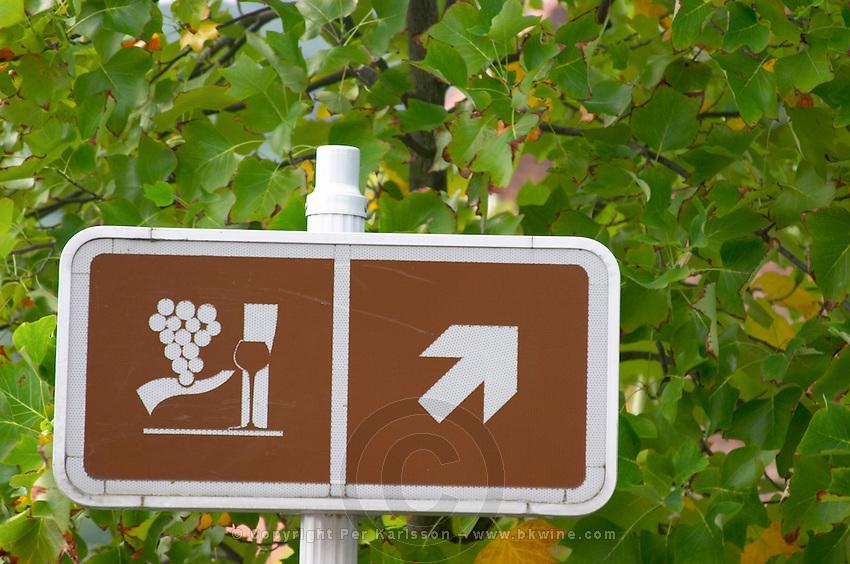 walking path sign kastelberg gc andlau alsace france
