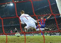FUSSBALL   CHAMPIONS LEAGUE   SAISON 2011/2012  Achtelfinale Hinspiel   22.02.2012 FC Basel - FC Bayern Muenchen  Tor zum 1-0 durch Valentin Stocker (re hinten, FC Basel) gegen Torwart Manuel Neuer (FC Bayern Muenchen)
