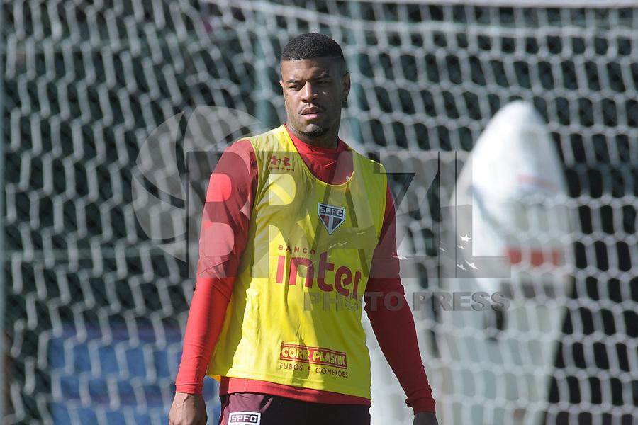 SÃO PAULO, SP, 05-07-2017 - Junior Tavares durante treino do São Paulo no Ct da Barra Funda nesta quarta 05, (Foto: Dorival Rosa/Brazil Photo Press)