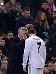 Real Madrid's Italian head coach Carlo Ancelotti and Real Madrid's Portuguese forward Cristiano Ronaldo during the Spanish Copa del Rey (King's Cup) semifinal second-leg football match Club Atletico de Madrid vs Real Madrid CF at the Vicente Calderon stadium in Madrid on February 11, 2014.   PHOTOCALL3000/ DP