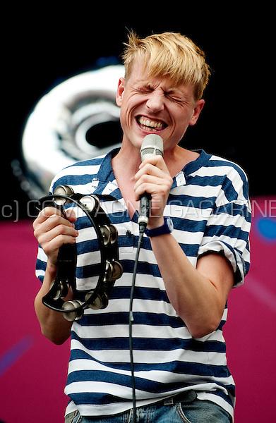 Belgian indie-pop band Das Pop at the Suikerrock festival in Tienen (Belgium, 31/07/2010)
