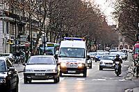 Samu de Paris response vehicle in Paris traffic..©shoutpictures.com.john@shoutpictures.com