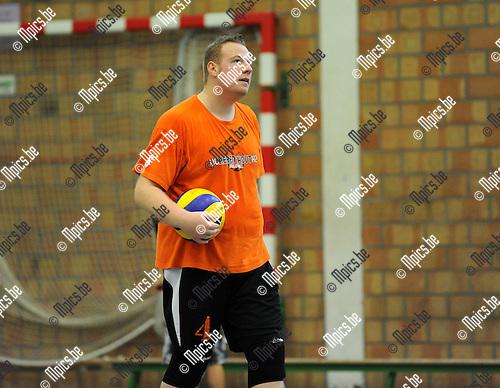 2013-09-28 / Volleybal / seizoen 2013-2014 / VC Herenthout / Koen Schoors<br /> <br /> Foto: Mpics.be