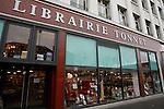 20080109 - France - Aquitaine - Pau<br /> UN DES LIEUX FETICHES DE BAYROU A PAU : LA LIBRAIRIE TONNET.<br /> Ref : LIBRAIRIE_TONNET_001.jpg - © Philippe Noisette.