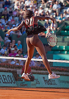 23-05-10, Tennis, France, Paris, Roland Garros, First round match, Venus Williams in her new outfit