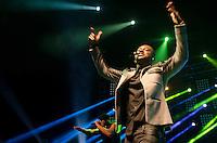 SAO PAULO, SP, 16.05.2014 - SHOW THIAGUNHO: O cantor Thiaguinho durante apresentação na noite desta sexta (16), no Citibank Hall em São Paulo. (Foto: Levi Bianco - Brazil Photo Press)