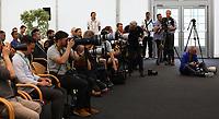 Zahlreiche Medienvertreter bei Bundestrainer Joachim Loew (Deutschland Germany) in der Eroeffnungspressekonferenz - 24.05.2018: Pressekonferenz der Deutschen Nationalmannschaft zur WM-Vorbereitung in der Sportzone Rungg in Eppan/Südtirol