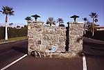 Desert Braemar entrance