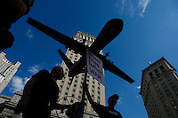 New York, USA. 24 July 2014. A fake drone is seen in front of the US courts during a protest by Palestine supporters in New York, demanding the end of the war by Israel and Hamas in Gaza. Photo by Eduardo Munoz Alvarez/VIEWpress