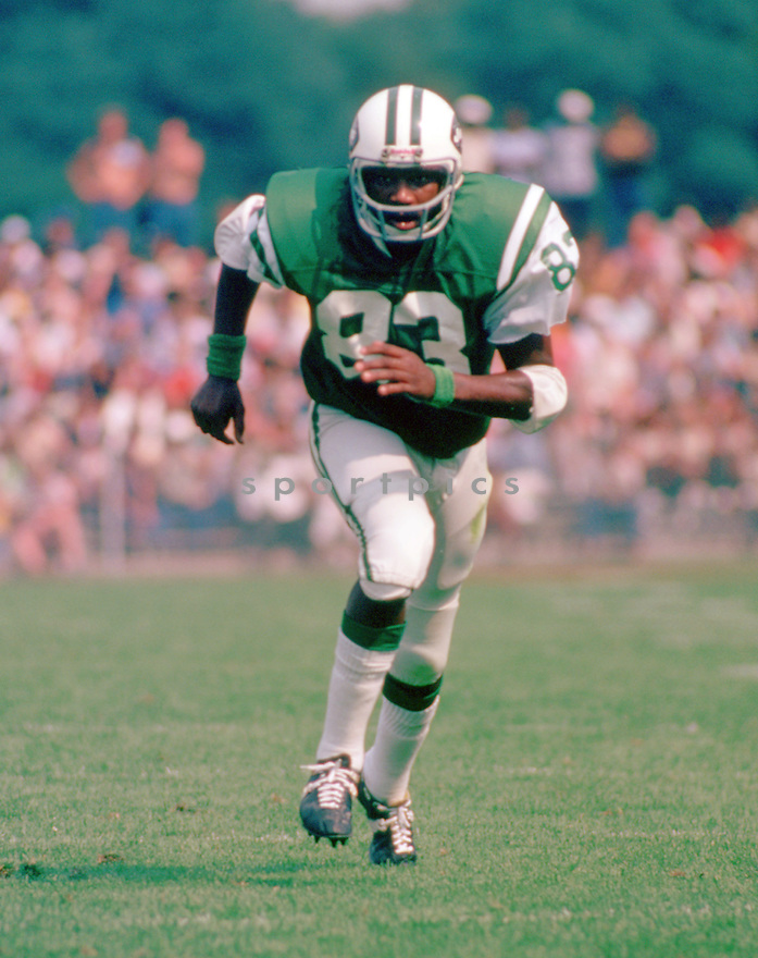 New York Jets Jerome Barkum (83) during a game from his 1977 season with the New York Jets . Jerome Barkum  played for 12 years, all with the New York Jets and was a 1-time Pro Bowler.(SportPics)