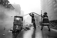 During the doormen strike in 1976, trash accumulated in front of buildings for 17 days. That brought residents to occasionally set fire to the piles of garbage, forcing firemen to put in extensive work.