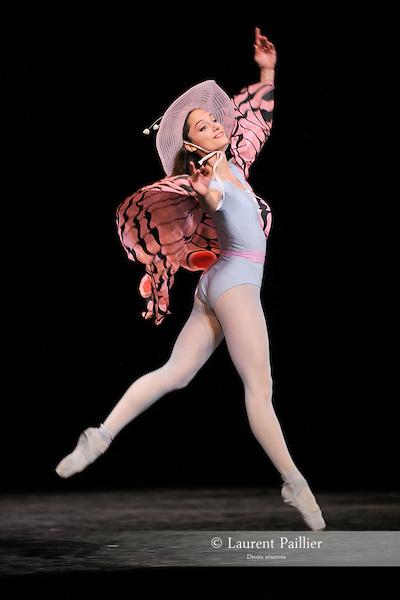 THE CONCERT..OU LES MALHEURS DE CHACUN....Choregraphie : ROBBINS Jerome..Mise en scene : ROBBINS Jerome..Compositeur : CHOPIN Frederic..Compagnie : Ballet de l Opera National de Paris..Lumiere : TIPTON Jennifer..Costumes : SHARAFF Irene..Avec :..GILBERT Dorothee : la ballerine..Lieu : Opera Garnier..Ville : Paris..Le : 20 04 2010..© Laurent PAILLIER / photosdedanse.com..All rights reserved
