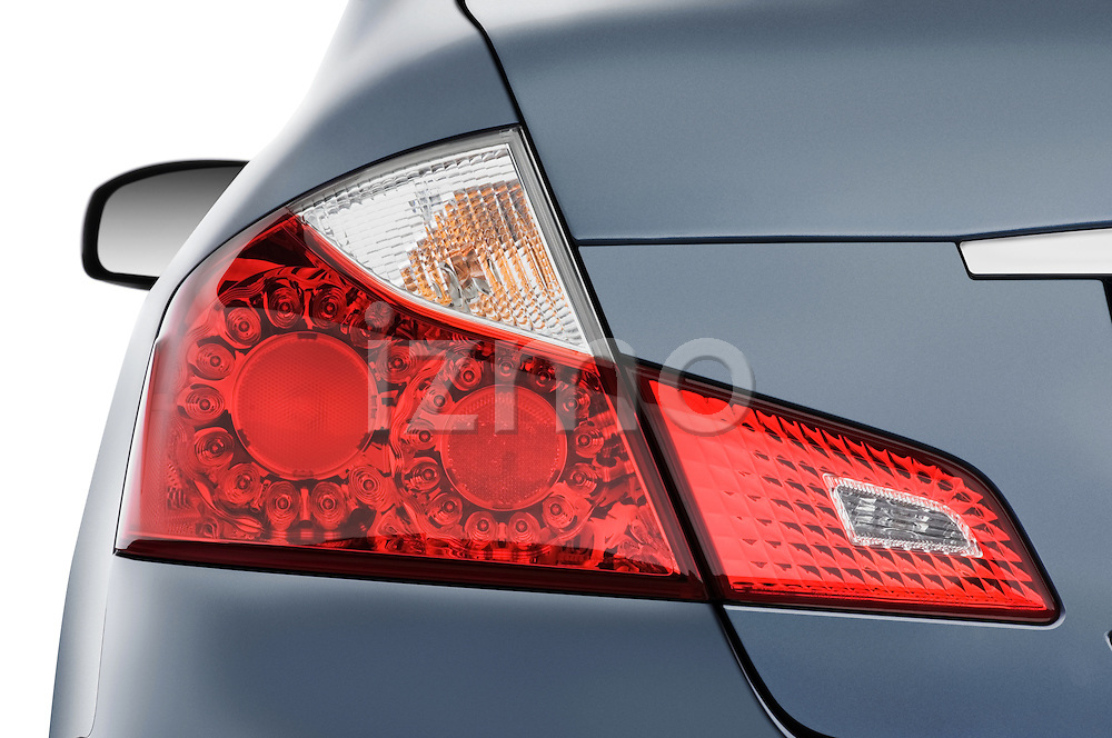 Tail light close up detail view of a 2008 Infiniti M35