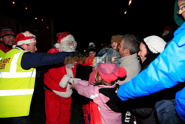 in dunleer for the arrival of Santa<br /> Picture: Fran Caffrey www.newsfile.ie