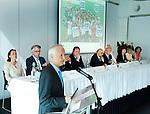 ROTTERDAM - Voorzitter Jan Albers . Algemene Leden Vergadering van de KNHB (Koninklijke Nederlandse Hockey Bond). FOTO KOEN SUYK