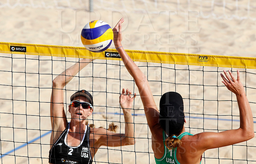 Jennifer Kessy, of the United States, in action against her compatriot Jennifer Fopma, right, at the Beach Volleyball World Tour Grand Slam, Foro Italico, Rome, 21 June 2013.<br /> UPDATE IMAGES PRESS/Isabella Bonotto