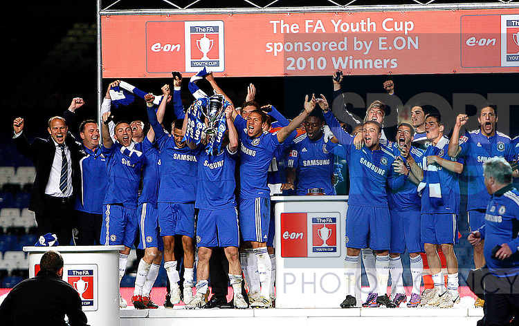 Chelsea lift the FA Youth Cup