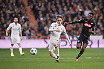 Luka Modric of Real Madrid  fights for the ball with Amadou Diawara of SSC Napoli during the match Real Madrid vs Napoli, part of the 2016-17 UEFA Champions League Round of 16 at the Santiago Bernabeu Stadium on 15 February 2017 in Madrid, Spain. Photo by Diego Gonzalez Souto / Power Sport Images