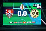 09.08.2019, Merkur Spiel-Arena, Düsseldorf, GER, DFB Pokal, 1. Hauptrunde, KFC Uerdingen vs Borussia Dortmund , DFB REGULATIONS PROHIBIT ANY USE OF PHOTOGRAPHS AS IMAGE SEQUENCES AND/OR QUASI-VIDEO<br /> <br /> im Bild | picture shows:<br /> Anzeigetafel Halbzeitstand, <br /> <br /> Foto © nordphoto / Rauch