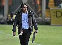 BOGOTA - COLOMBIA -20 -08-2016: Flabio Torres técnico de Atlético Bucaramanga gesticula durante partido contra Fortaleza FC por la fecha 9 de Liga Águila II 2016 jugado en el estadio Metropolitano de Techo en Bogotá. / Jaime de La Pava coach of Atletico Bucaramanga gestures during the match against Fortaleza FC for the date 9 of the Aguila League II 2016 played at Metropolitano de Techo stadium in Bogota. Photo: VizzorImage / Gabriel Aponte / Staff.