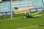 Das 0:1 von Uerdingens Osawe Osayamen (Nr.35) im Bild Waldhofs Timo Königsmann / Koenigsmann (Nr.1)  beim Spiel in der 3. Liga, SV Waldhof Mannheim - KFC Uerdingen 05.<br /> <br /> Foto © PIX-Sportfotos *** Foto ist honorarpflichtig! *** Auf Anfrage in hoeherer Qualitaet/Aufloesung. Belegexemplar erbeten. Veroeffentlichung ausschliesslich fuer journalistisch-publizistische Zwecke. For editorial use only. DFL regulations prohibit any use of photographs as image sequences and/or quasi-video.