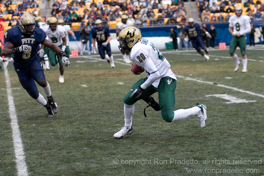 24 November 2007: Aston Samuels (20)..The South Florida Bulls defeated the Pitt Panthers 48-37 on November 24, 2007 at Heinz Field, Pittsburgh, Pennsylvania.