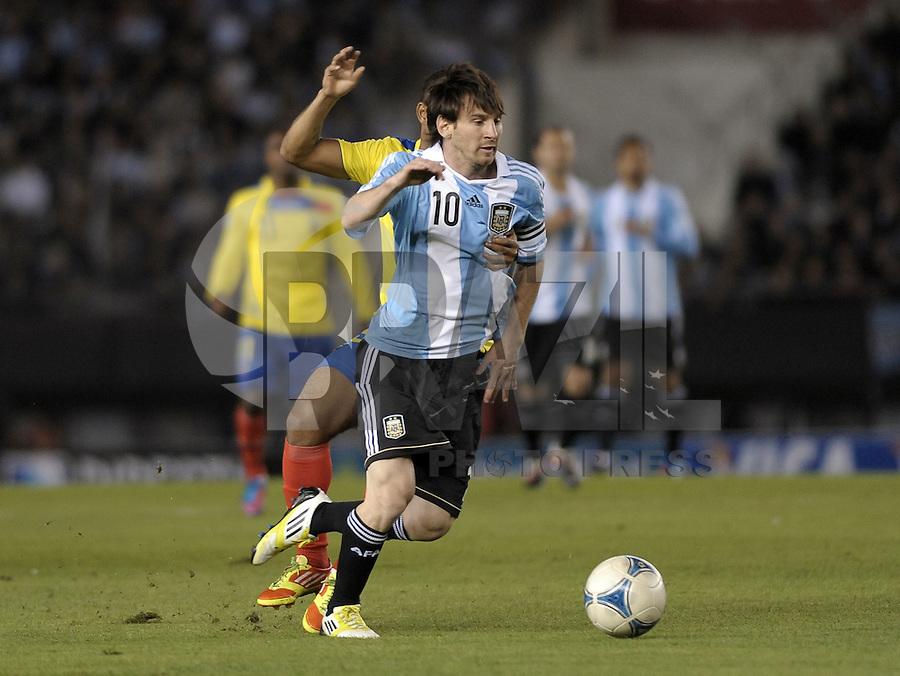 BUENOS AIRES, ARGENTINA, 02 DE JUNHO 2012 - ELIMINATORIAS SULAMERICANAS - ARGENTINA X EQUADOR - Lionel Messi da Argentina, durante lance de partida diante do Equador, durante partida válida pelas Eliminatórias sul-americanas para a Copa de 2014, no Estádio Monumental de Núñez, em Buenos Aires, neste sábado. A seleção argentina venceu por 4 a 0.  (FOTO: JUANI RONCORONI / BRAZIL PHOTO PRESS).