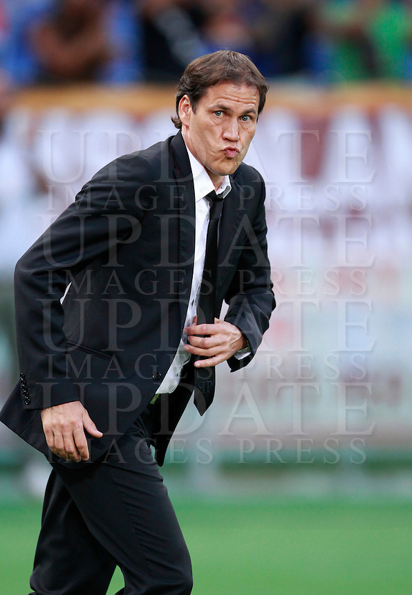Calcio, amichevole Roma vs Fenerbahce. Roma, stadio Olimpico, 19 agosto 2014.<br /> AS Roma coach Rudi Garcia, of France, enters the pitch during the team's presentation, prior to the friendly match between AS Roma and Fenerbache at Rome's Olympic stadium, 19 August 2014.<br /> UPDATE IMAGES PRESS/Isabella Bonotto