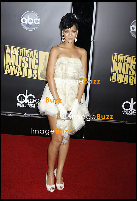 "RIHANNA - "" 2008 AMERICAN MUSIC AWARDS "" AT THE NOKIA THEATRE..LOS ANGELES."