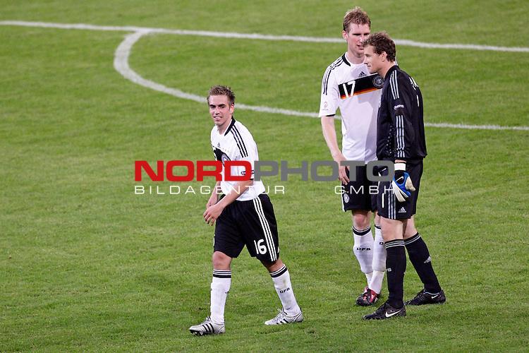 UEFA Euro 2008 Group B Klagenfurt - W&ouml;rthersee Match 04<br /> <br /> Deutschland ( GER ) - Polen ( POL ) 2:0 (1:0)<br /> <br /> Dank an Jens Lehmann, Philipp Lahm ( Germany  / Verteidiger / Defender / Bayern Muenchen #16) und Per Mertesacker ( Germany  / Verteidiger / Defender / Werder Bremen #17)<br /> Foto &copy; nph (  nordphoto  )<br /> <br /> <br /> <br />  *** Local Caption ***