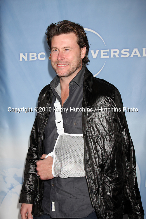 Dean McDermott .arriving at the 2010 Winter NBC TCA Party .Langford Hotel.Pasadena, CA.January 10, 2010.©2010 Kathy Hutchins / Hutchins Photo....