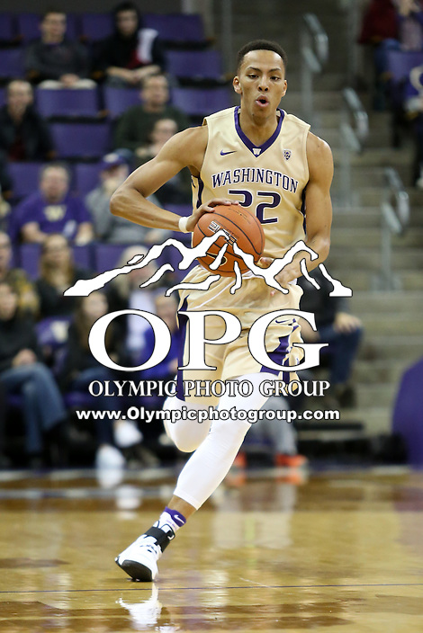 SEATTLE, WA - DECEMBER 18: Washington's Dominic Green against Western Michigan.  Washington won 92-86 over Western Michigan at Alaska Airlines Arena in Seattle, WA.
