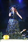 Paloma Faith performing live at the Apollo Manchester UK - 31 Oct 2010.  Photo credit: Tony Woolliscroft/IconicPix