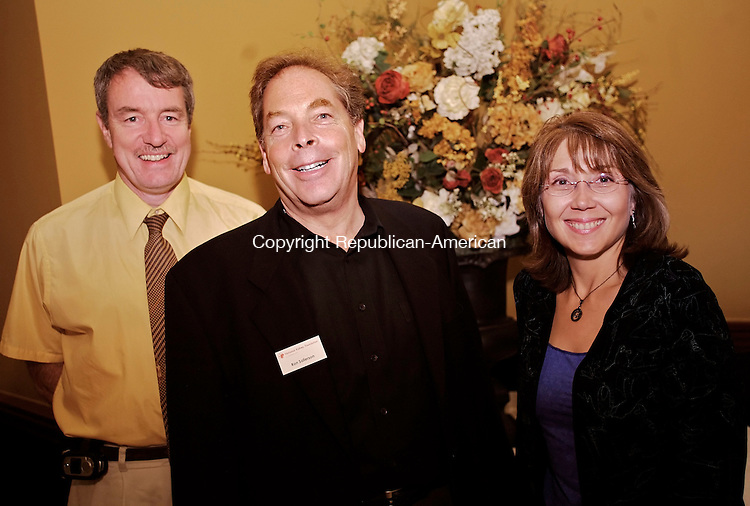 WATERBURY, CT--27 September 07--092707TJ10 - John McNab, from left, a member of the Board of Directors for the National Kidney Foundation of Connecticut, Ron Sallerson, vice president of Development and Marketing at the foundation, and Donna Sciacca, program director at the foundation, attend a fundraiser benefiting the National Kidney Foundation of Connecticut at the Pontelandolfo Club in Waterbury, Conn., on Thursday, September 27, 2007. T.J. Kirkpatrick/Republican-American