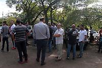 CAMPINAS, SP 26.02.2018-PROTESTO-Motoristas de aplicativos fazem protesto na lagoa do Taquaral na manha desta segunda-feira (26). (Foto: Denny Cesare/Codigo19)