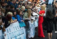 Berlin,Montag (29.04.13), Die Schauspielerin Alice Eve bei der Deutschlandpremiere des Films The Darkness aus der Star-Trek-Reihe. Foto: Michael Gottschalk/CommonLens