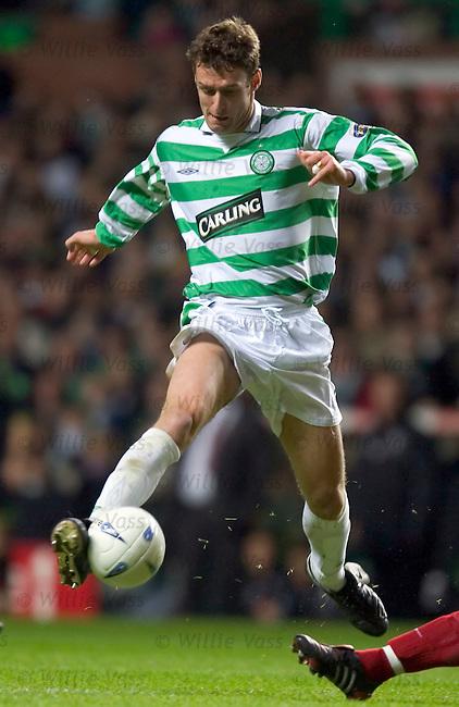 Chris Sutton, Celtic.stock season 2004-2005.pic willie vass